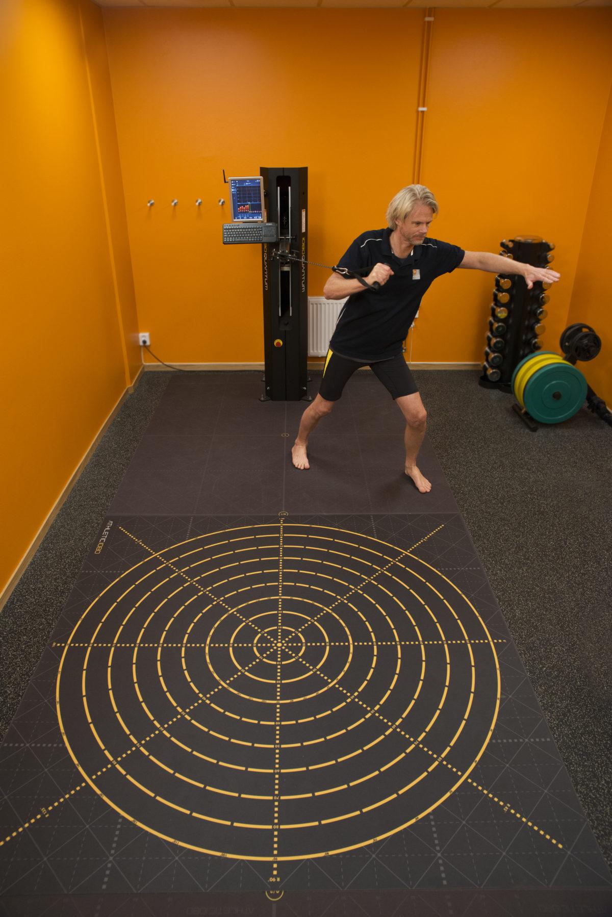 rehabilitering axelvärk naprapat fysioterapi