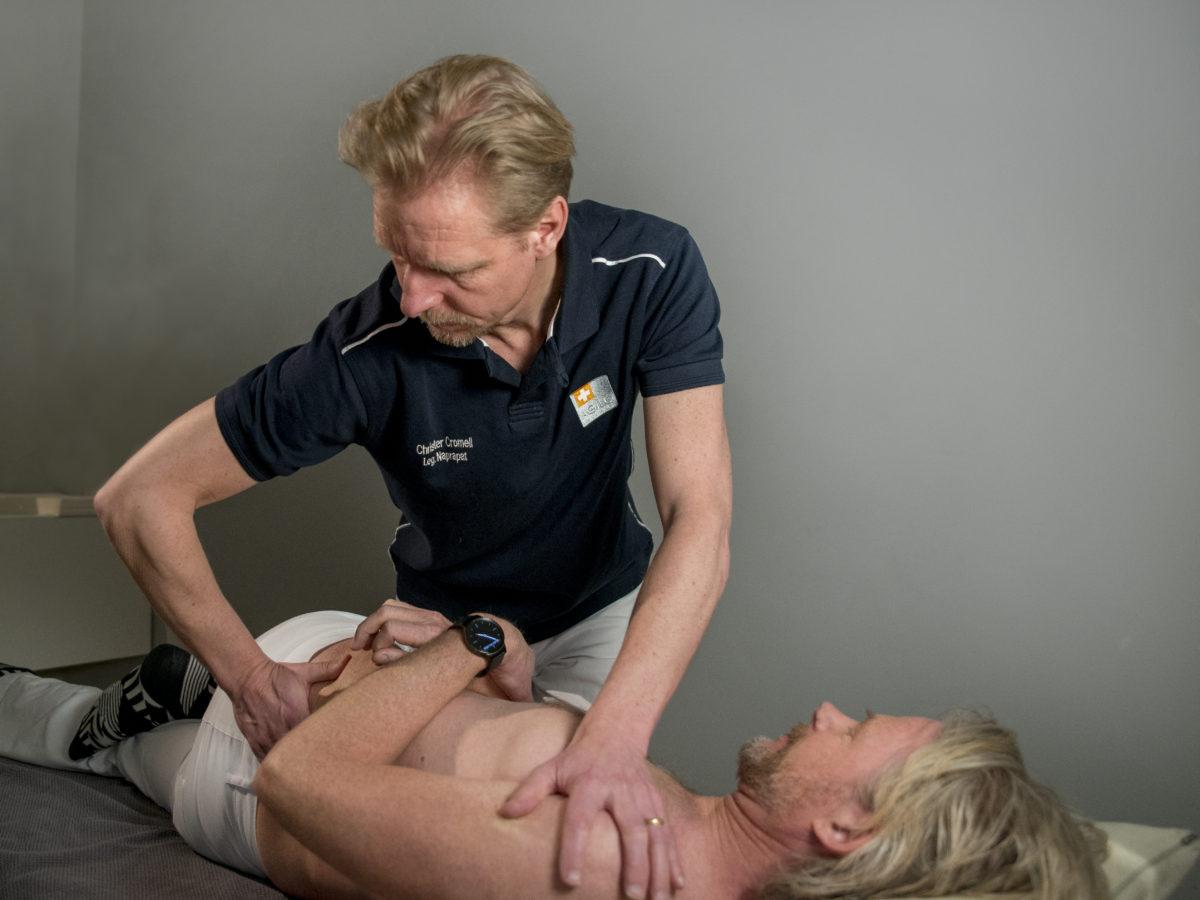 Huggsmärtor i ryggen naprapat kiropraktor sjukgymnast