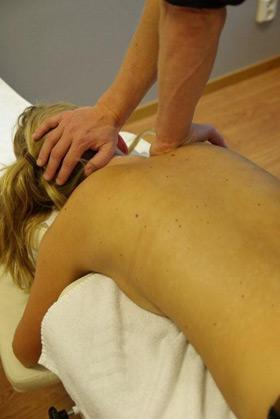 Värk i skuldror naprapati sjukgymnastik kiropraktik